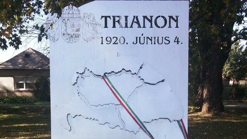 Polgardi Trianon Emlekmu